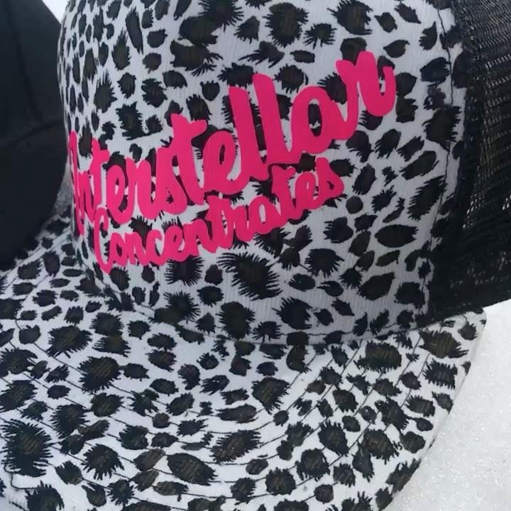 #sundayfunday #swag #merch #hats #caps @mastah_growah @dabbed_apparel #brandamba…